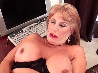 big blonde close up granny masturbating solo