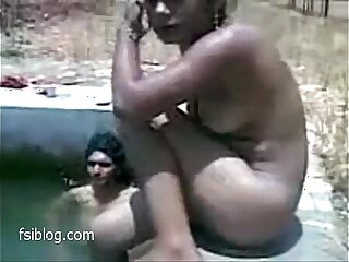 Desi lustig Indianerinnen Orgie Pool