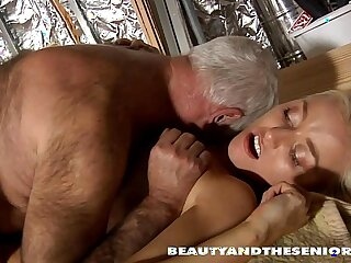 blonde blowjob hardcore licking old pussy