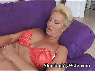 amateur big blonde masturbating milf mommy