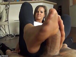 cumshot foot girlfriend girls pantyhose stockings