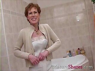 amateur hairy masturbating mature milf pissing