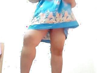 aunty flashing thai