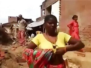 aunty boobs