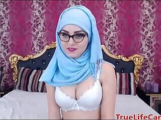 arab big big tits boobs brunette fetish