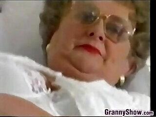 chubby glasses granny hubby masturbating mature