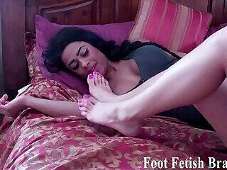 fetish foot girls lesbian