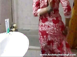 amateur babe desi homemade indian shower