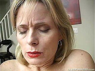 amateur cougar cougar moms housewife masturbating mature